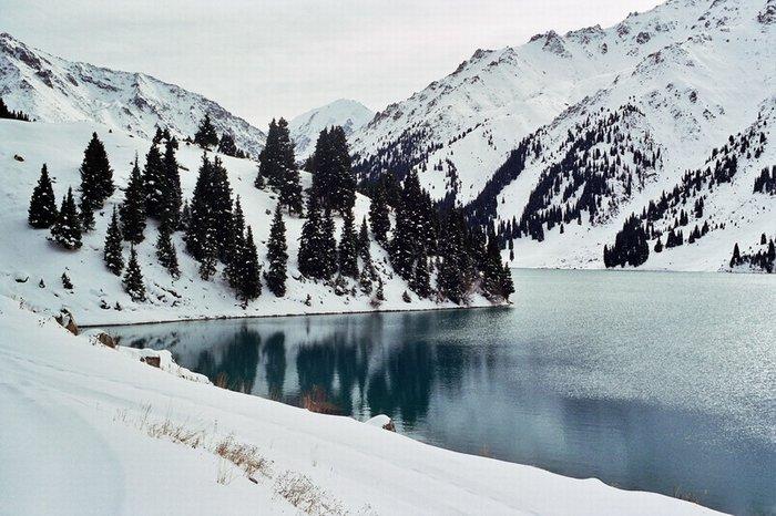 Алматинское озеро зимой фото дня